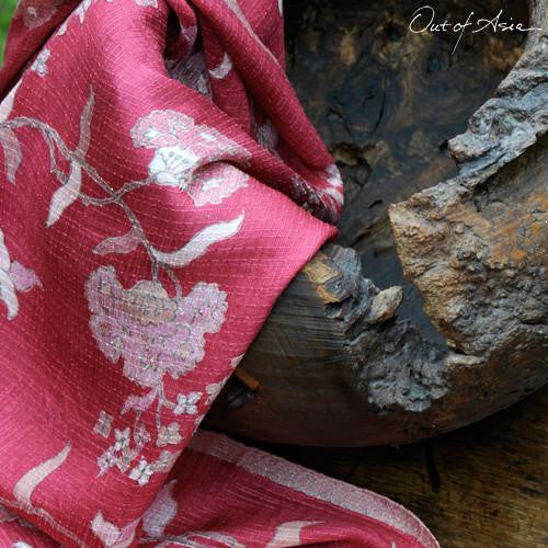 Hand drawn, Hand woven Silk Batik from Indonesia - OutOfAsia