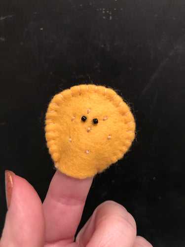 Ritz Cracker Finger Puppet