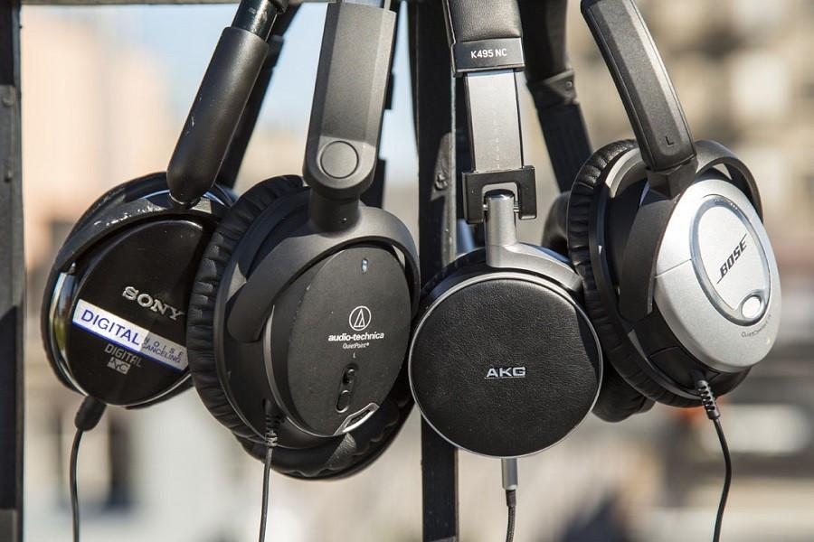 The Nuts & Bolts of Noise Cancelling Headphones