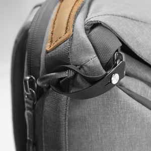 Peak Design Everyday Backpack 20L in Ash Color 5