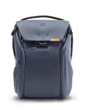 Peak Design Everyday Backpack 20L in Midnight Color