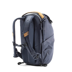 Peak Design Everyday Backpack 20L in Midnight Color 2