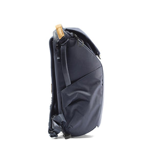 Peak Design Everyday Backpack 20L in Midnight Color 3