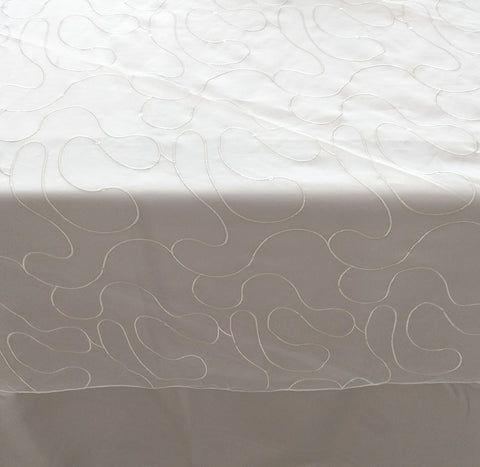 Patterned Table Cloth Overlay