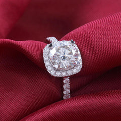 1.5 ct Elegant GH Color Round Diamond Ring