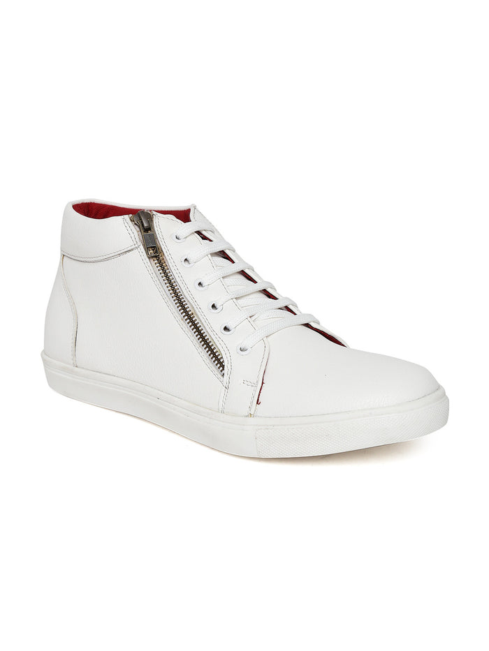 San Frissco Men White Solid Mid-Top Sneakers
