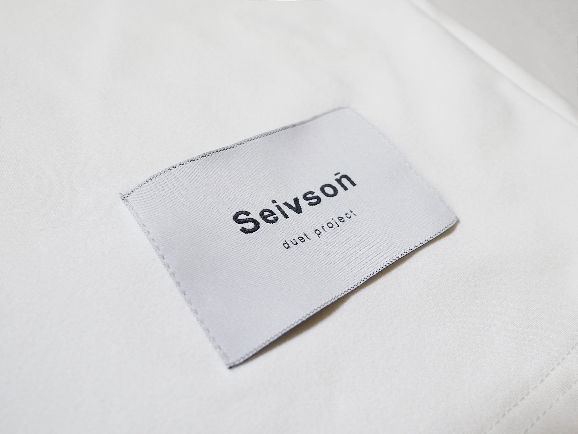OVER-SIZED<br> SEIVSON <br>T-SHIRT