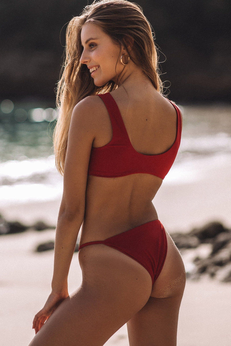 FIJI BOTTOM (SCARLET)