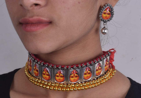 Durgamaa dual tone choker with red dori and earrings