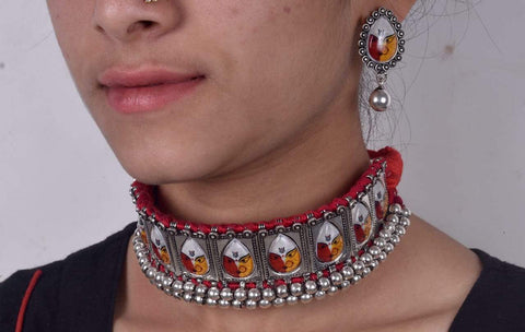 Durgamma choker with red dori and earrings