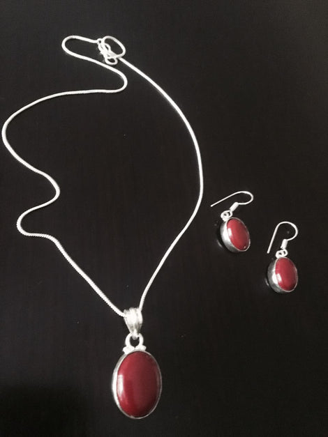 Silver toned Drop Pendant set with  Maroon Cut stone & ear rings