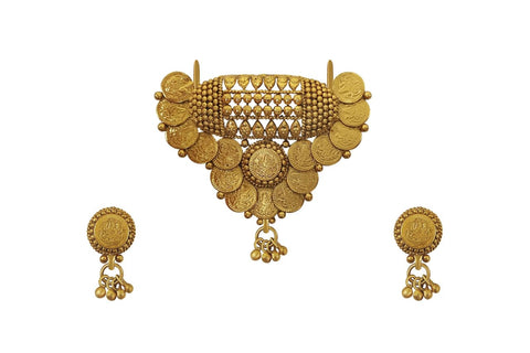 Traditional temple lakshmi kasu pendant with beautiful matching earrings