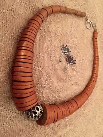Unique choker set with coconut shell beads