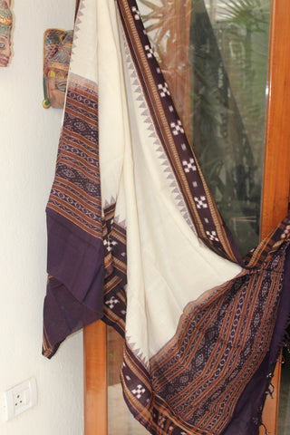 White Sambalpuri Handwoven Cotton Duppatta with Pasapalli weaves
