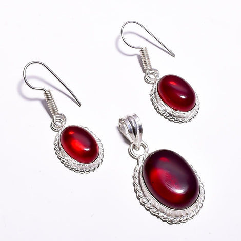 Silver Toned Drop Pendant Set With Cadmium Red Cut Stone & Ear Rings