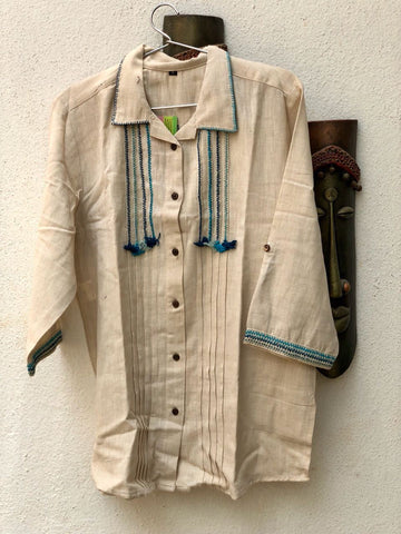 Off White thread work kurta with collar