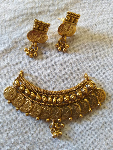 Traditional temple kasu pendant with beautiful matching earrings
