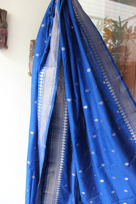 blue banarasi silk dupatta with buttis