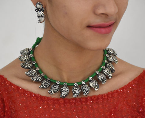 Peacock design paisley necklace in green dhori wih earrings