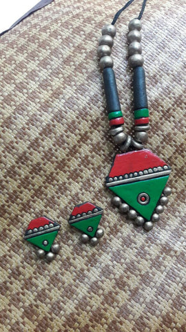 red and green handmade terracotta jewellery set