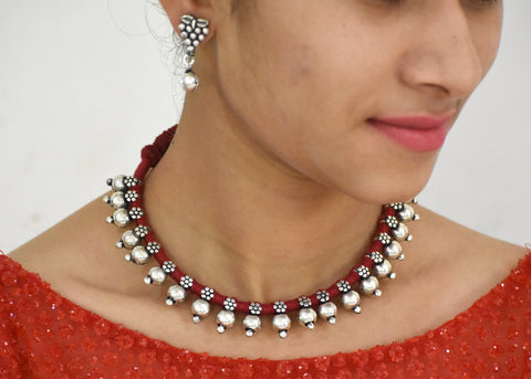 Small beads necklace in maroon dhori with earrings