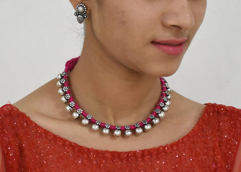 Small beads necklace in pink dhori with earrings