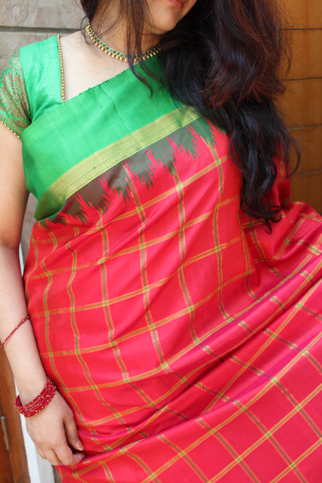 splashy gadwal silk saree in watermelon red color with green