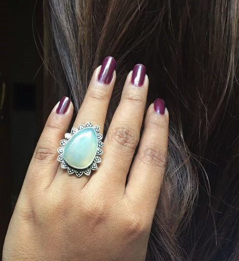 transparent white big natural cut stone ring