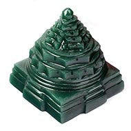 Shree Yantra with Pure Natural Quartz crystal Safetik Green Stone