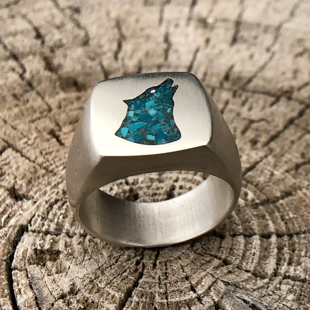 Crushed Turquoise Wolf Signet Ring