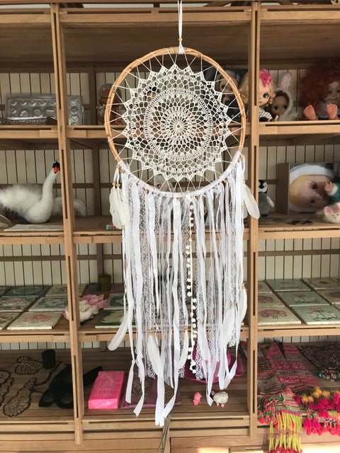 Dream catcher white crochet in rotan with ribbons, laces, feathers and pompoms 42cm