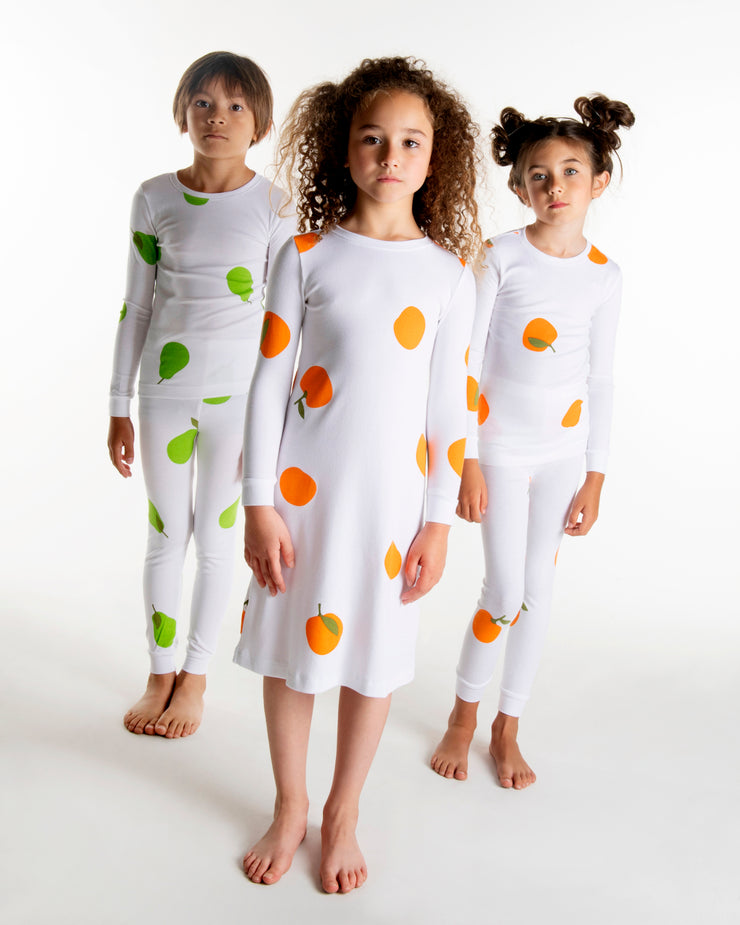 ORANGES IN WHITE NIGHTGOWN