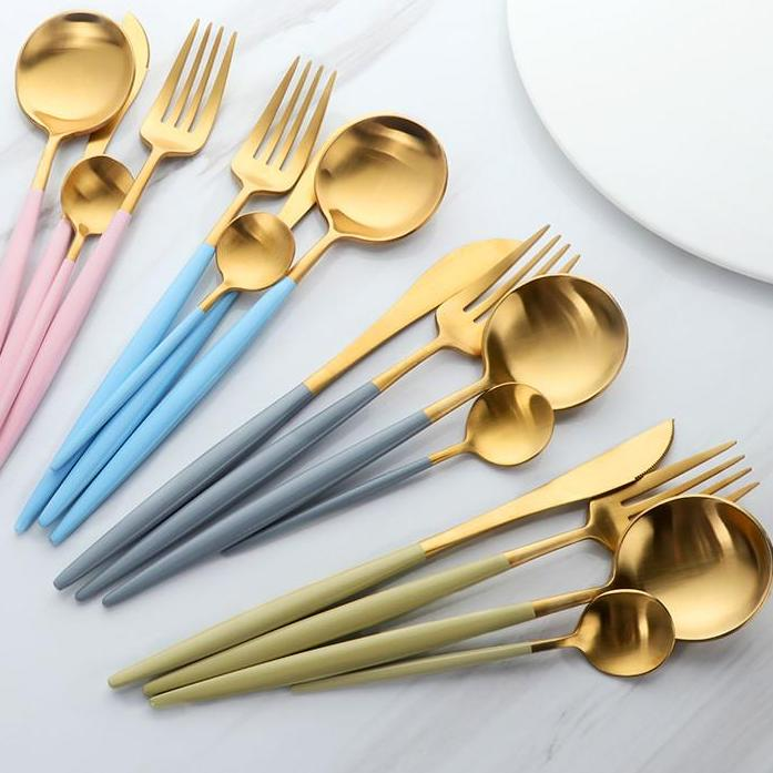 Deluxe 24 pcs Flatware Set
