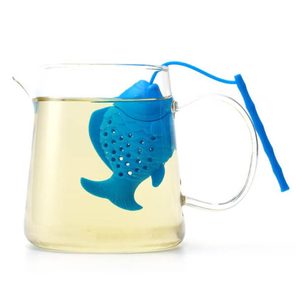 Fish Tea Infuser Blue in Glass - ToDoTea