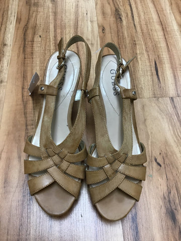 Guess Size 7.5 Beige Shoes