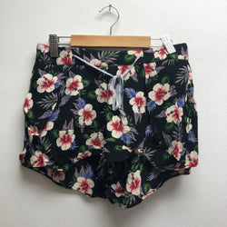 Trafaluc Size Small Floral Shorts