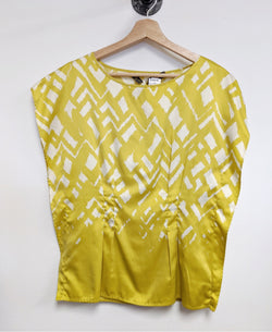 Outback Red Size XS Yellow Top