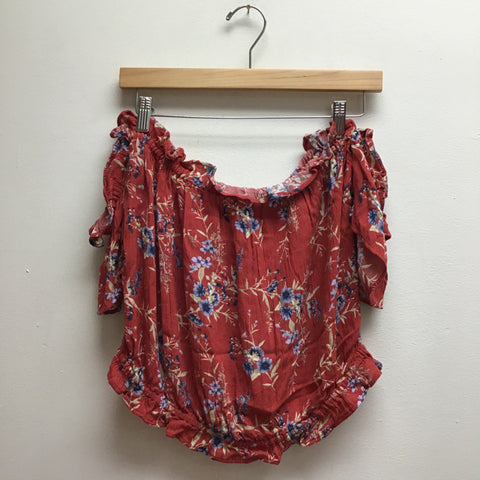 American Eagle Size Large Red Top
