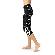 Load image into Gallery viewer, You'll Turn Heads With These Piano Capri Leggings