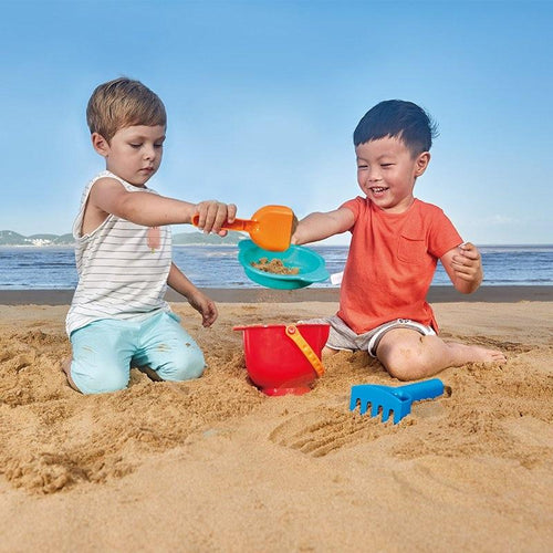 Hape Silicone Beach Toy For Play In Water, Sand And Snow!