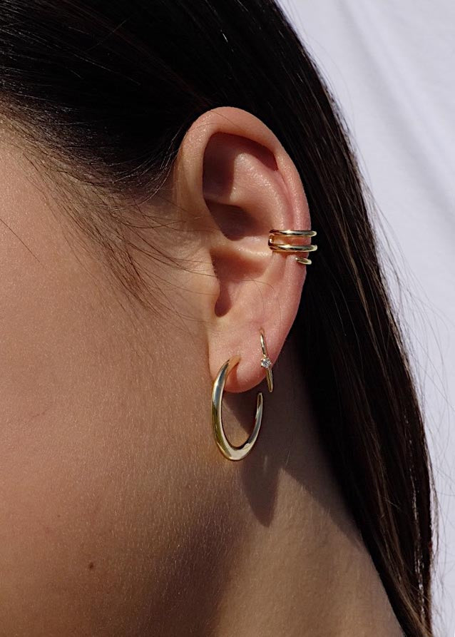 Mini Claw Earrings in Gold