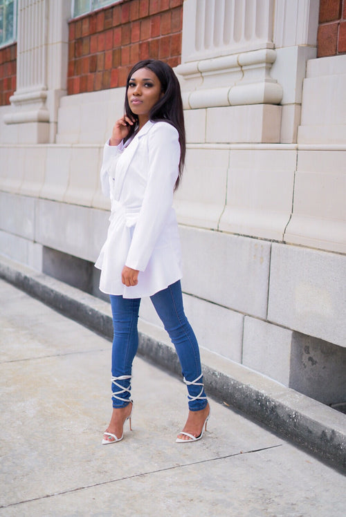 """Elevate' White Fashion Blazer"