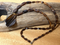 Gorgeous Root Beer Bakelite Carved Necklace w/ Graduated Beads