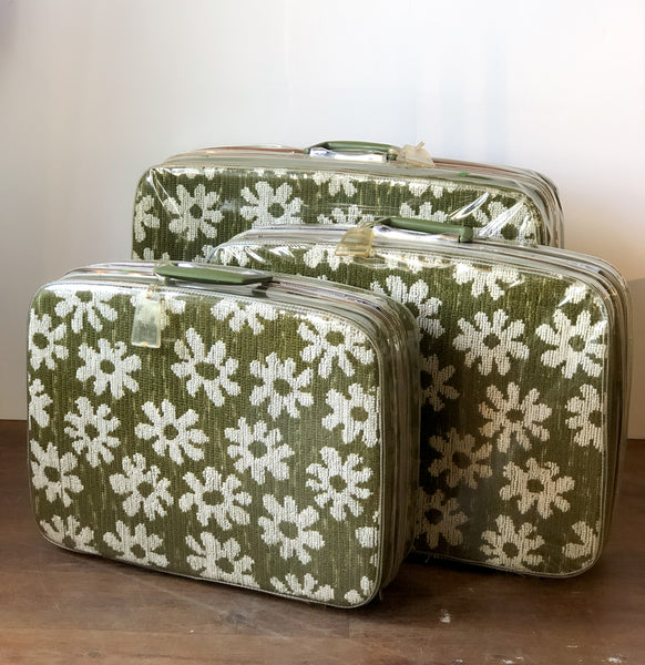 "Fabulous Set of 3 ""Fashionaire"" Suitcases by Samsonite"