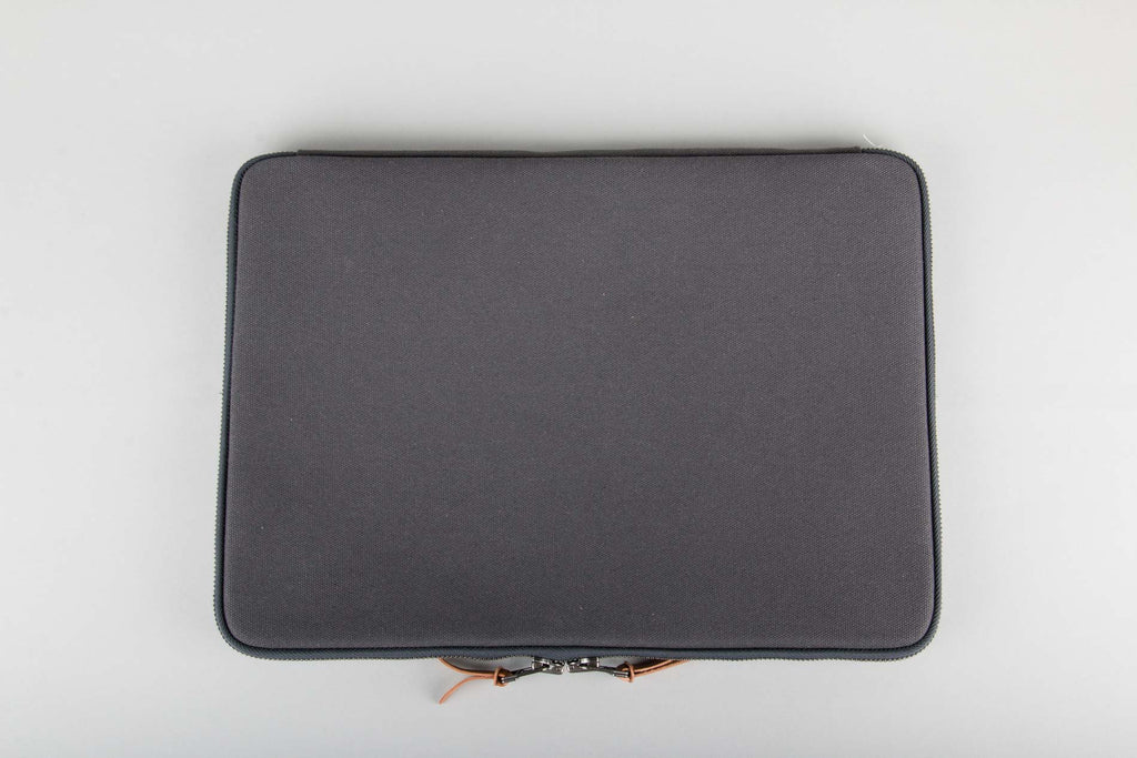 "MAKR Laptop Case 15"" - Charcoal"