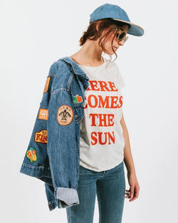 CBG HERE COMES THE SUN FITTED T-SHIRT