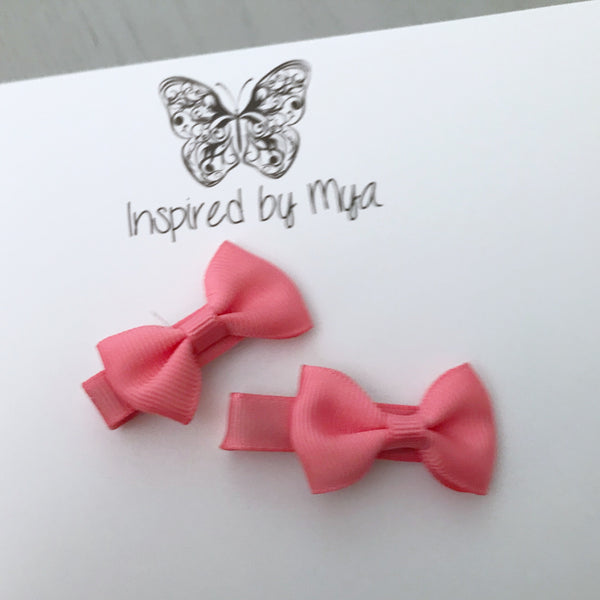 Tiny Bow Clip Piggy Pair - Coral Pink