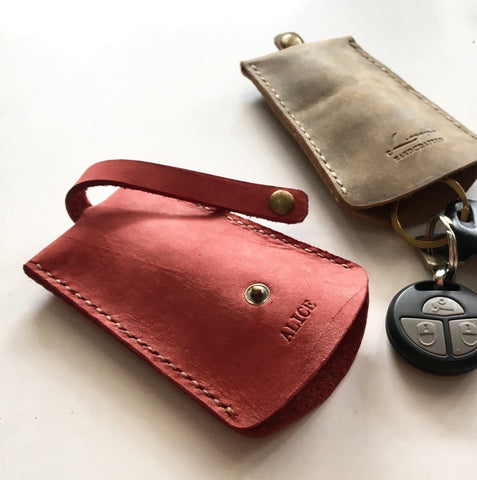 Personalised Leather InStyle Pulling Key Holder