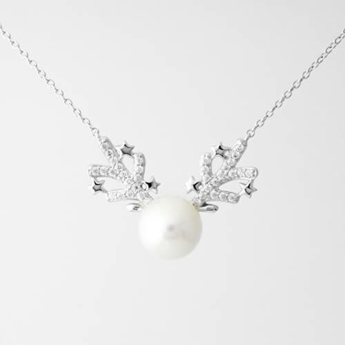 Pearly Reindeer Necklace (Pendant + Chain) - JEOEL