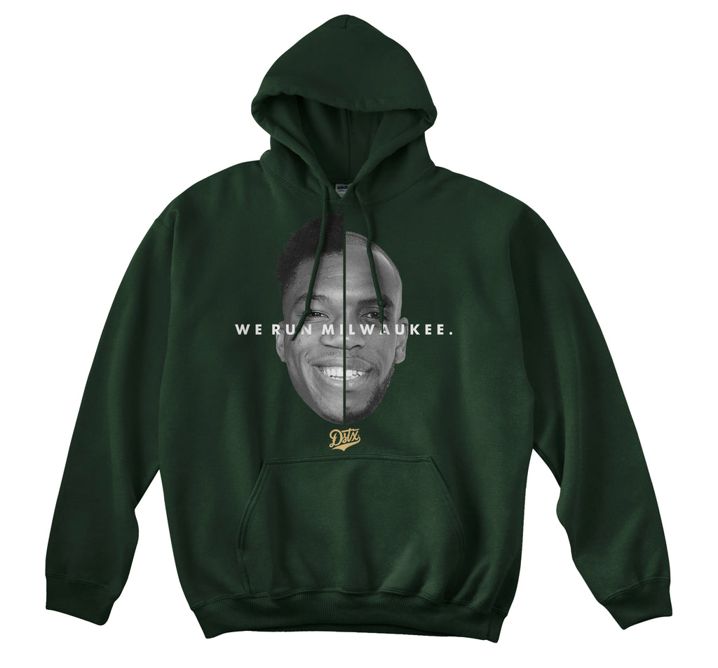 WE RUN MILWAUKEE HOODIE (FOREST GREEN)